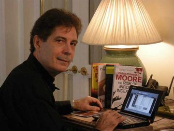 Entrevista al escritor C.G. Moore
